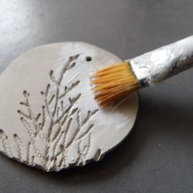 DIY breloques à suspendre en argile
