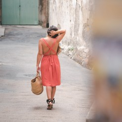 robe d'été à dos croisé - crédit photo Charlène Pélut
