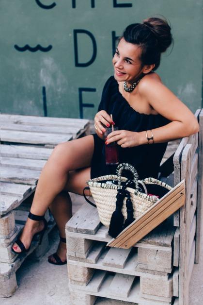Alex - Boucle d'oreille corail robe noir 023